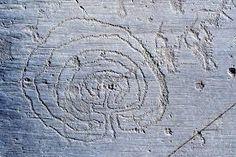 Risultati immagini per incisioni rupestri della valcamonica