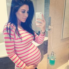 Jennifer Stano Maternity Fashion - love her look!