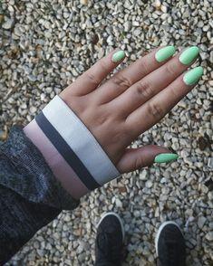 Manicure, Rings For Men, Diy Crafts, Gemstones, Instagram Posts, Nail Bar, Nails, Men Rings, Gems