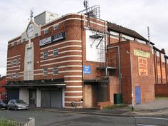 Leeds Burmantofts Star 2004. Opened on 21st February, 1938 with Ronald Colman in…