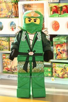 My son is 7 years old and like most boys his age he loves Legos, especially Ninjago. He asked for the green Lego Ninjago costume around August. Lego Ninjago Halloween Costume, Ninja Halloween Costume, Homemade Halloween Costumes, Cool Costumes, Costume Ideas, Diy Lego Costume, Ninjago Party, Halloween 2013, Baby Kostüm