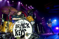 Black Keys! Rock the kick ass.