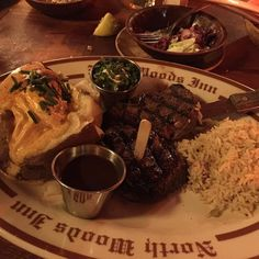 Steak it is. Great photo by @xo_la_mnm #clearmansrestaurants #cheesebread #wine #northwoodsinn #sangabriel #covina #lamirada #losangeles #steak #dinner #food #foodporn #foodgasm #instafood #yum #yumyum #yummy #delicious #losangeles #familyrestaurant #stuffed #comfortfood #homecooking #classic #traditional