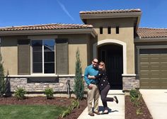 We are pleased to welcome the newest neighbors, Bob & Jill, moving into our Gallery in Clovis neighborhood. We never get tired of seeing the smiling faces of our homeowners. Congratulations!