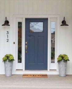 70 Best Modern Farmhouse Front Door Entrance Design Ideas – Home Design Front Door Entrance, House Front Door, House With Porch, Front Porch, Front Entry, Entry Doors, Garden Entrance, The Doors, House Entrance