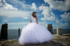 http://www.houstonquinceanera.com/photographers.  I love this pic!  Isn't the color simply spectacular??