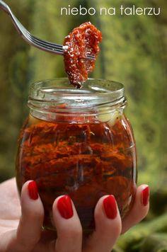 Najlepsze domowe suszone pomidory - niebo na talerzu Queens Food, Salsa, Vegetarian Recipes, Healthy Recipes, Polish Recipes, Slow Food, Appetisers, Canning Recipes, Food Inspiration
