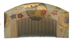 Japanese lacquer hair comb early 1900's. (collection Miriam Slater)
