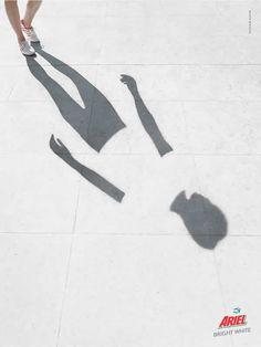 #Ariel refleja una calidad en sus productos con esta publicidad con una sombra.