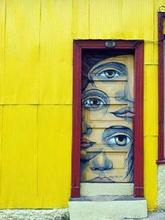 Doors as art. Graffiti door in Valparaiso, Chile Cool Doors, Unique Doors, The Doors, Windows And Doors, Front Doors, Porte Cochere, Knobs And Knockers, Street Art Graffiti, Graffiti Artists