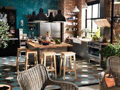 wohnideen küche modern industriell schwarze pendelleuchten