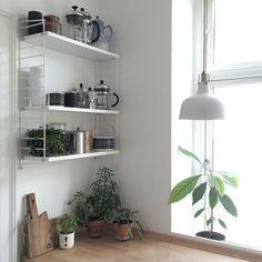 """514 Synes godt om, 24 kommentarer – Stine Marie Rosenborg (@srosenborg) på Instagram: """"Hurra for ny køkkenhylde ♡"""""""