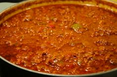 Just Plain Chili (great for all phases) Makes 4 servings Ingredients: 2 pounds lean ground beef 1 green bell pepper, diced 6 cloves garlic, minced 2 Tbs olive oil 1/4 tsp freshly ground black pepper 3 Tbs cumin, or to taste 1-1/2 Tbs chili powder, or to taste 1 (28 oz) can diced tomatoes