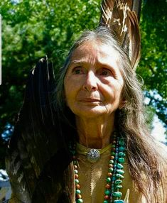 American Indian woman, taken September 2009 by Don Row Native American Beauty, Native American Photos, Native American History, American Indians, American Lady, American Symbols, Native Indian, Native Art, Art Magique