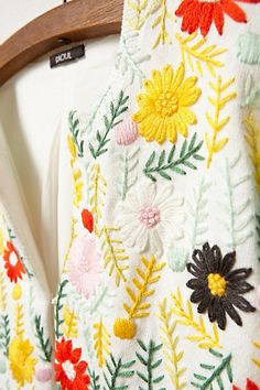 Embroidered cardigan/ daisies