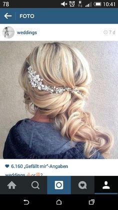 Side curls with a cute accessory. Wedding Hair And Makeup, Wedding Hair Accessories, Hair Makeup, Wedding Hair Jewelry, Hair Jewellery, Bridesmaid Hair, Prom Hair, Bride Hairstyles, Pretty Hairstyles