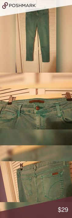 Joes Jeans Skinny Ankle Pant Distressed green color. Good amount of stretch. Joe's Jeans Pants Skinny