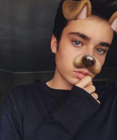 Miii amorreeee😍 Tumblr Boys, Teen Wolf, Cute Boys, Youtubers, Snapchat, Crushes, Daddy, Mens Sunglasses, Wattpad
