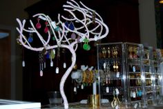 sadee says holiday 1 pop up  www.sadeesays.com   accessories to dream of..............