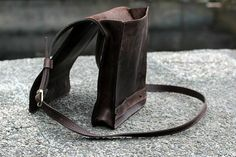 This leather bag is a must for every man. This crossbody bag can be used as an iPad or laptop carrier. Everything depends on your needs. Small things can often make our liv...