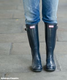fe6110c4c5a Hunter Boots original tall gloss in navy Hunter boots original tall gloss  navy size 6 in box worn several times Hunter Boots Shoes Winter   Rain Boots