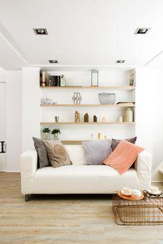 interior lovely amsterdam apartment airbnb design closet open closet nis spacious open windows garden klippan ikea bed & breakfast amsterdamseweg amstelveen https://www.airbnb.nl/rooms/3836848?s=YyY-