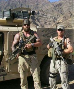 Delta Force - US Special Forces. In Afghanistan. Special Forces Gear, Military Special Forces, Military Gear, Military Personnel, Navy Military, Tactical Operator, Combat Gear, Green Beret, Snipers