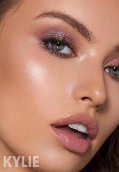 Eye make-up makeup for 30 year old to eye makeup over 50 makeup without eyeshadow Kylie Jenner, Makeup Inspo, Makeup Tips, Hair Makeup, Makeup Ideas, Wolf Makeup, Makeup Trends, Glowy Makeup, Nude Makeup