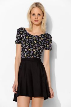 Black circle skirt+floral top