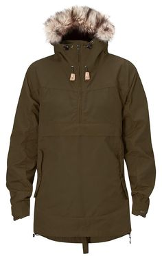 Well-ventilated women's anorak in G-1000 with zippers at the sides. Adjustable hood with detachable synthetic fur edging.