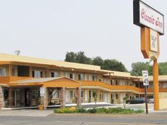 Red Bluff (CA) Classic Inn Red Bluff United States, North America Ideally located in the prime touristic area of Red Bluff, Classic Inn Red Bluff promises a relaxing and wonderful visit. The hotel has everything you need for a comfortable stay. Take advantage of the hotel's 24-hour front desk, facilities for disabled guests, Wi-Fi in public areas, car park, BBQ facilities. Some of the well-appointed guestrooms feature television LCD/plasma screen, internet access – wireless (c...