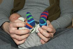 Craft Passions: Baby Mitten socks..# free #Knitting pattern link here