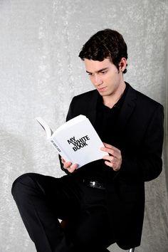 Federico Lambiti autore di UOMO SU SFONDO BIANCO http://www.navadesign.com/it/blog/uomo-sfondo-bianco-federico-lambiti/