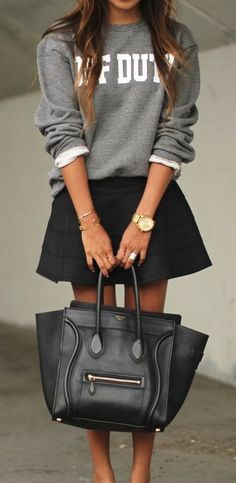 Céline Luggage + jupe patineuse+ sweater = perfection!!