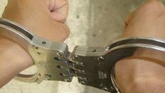 Violó y mató, lo liberaron y abusó de 12 mujeres más. --> http://www.diariopopular.com.ar/notas/132010-violo-y-mato-lo-liberaron-y-abuso-12-mujeres-mas