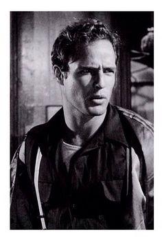 Good god. Someone fan me down. Young Marlon Brando.