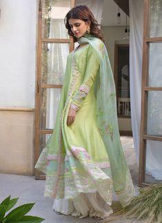 Eid Dresses, Party Wear Dresses, Pakistani Dresses, Indian Dresses, Neckline Designs, Smart Styles, Silk Pants, Indian Designer Wear, Frocks