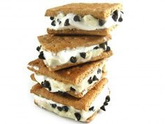 Skinny Frozen S'mores, No Campfire Needed!!! If you love campfire s'mores, you'll really love these luscious low fat frozen treats. One skinny sandwich has 150 calories, 3 grams of fat and 4 Weight Watchers POINTS PLUS. http://www.skinnykitchen.com/recipes/you%E2%80%99ll-flip-for-these-skinny-frozen-smores-no-campfire-needed/