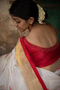 Traditional sari blouse design - The Handmade Crafts Source by krkpillal Blouses Kerala Saree Blouse Designs, Wedding Saree Blouse Designs, Saree Blouse Neck Designs, Pattern Blouses For Sarees, Hand Work Blouse Design, Simple Blouse Designs, Stylish Blouse Design, Sumo, Designer Blouse Patterns