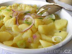 Recept Německý bramborový salát s cibulí - Německý bramborový salát s cibulí