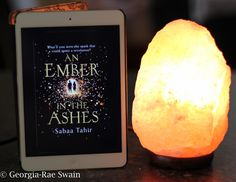 An Ember in the Ashes – Book Review ⭐️⭐️⭐️⭐️⭐️
