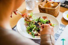 اسهل طريقة لانقاص الوزن بسرعة بدون رجيم 2000 Calorie Diet Plan, Dieta Dash, Diet Ketogenik, Troubles Digestifs, Crack Slaw, Fiber Diet, Slaw Recipes, Nutrition, Diets For Beginners