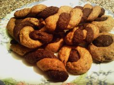 Συνταγές για διαβητικούς και δίαιτα: ΔΙΧΡΩΜΑ ΚΟΥΛΟΥΡΑΚΙΑ ΜΕ ΣΤΕΒΙΑ ΚΑΙ ΛΙΝΑΡΟΣΠΟΡΟ Healthy Cookies, Healthy Desserts, Dog Food Recipes, Sausage, Sweets, Cake, Health Desserts, Gummi Candy, Healthy Biscuits