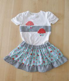 T-shirt and skirt cupcackes.