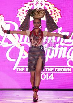 Philippines Outfit, Philippines Culture, Modern Filipiniana Gown, Cute Fashion, Fashion Show, Apple Costume, Filipino Fashion, Tribal Outfit, Filipino Tribal