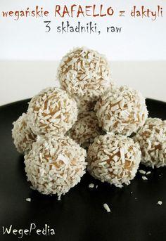 Wegańskie RAFAELLO z daktyli – 3 składniki, bez cukru, bezglutenowe, raw
