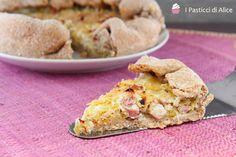 La Torta Salata Porri Patate e Pancetta è facilissima da preparare, pochi e semplici ingredienti per un piatto molto saporito!