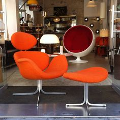 1st edition of the BigTulip designed by PierrePaulin and produced by Artifort in the early 60s!