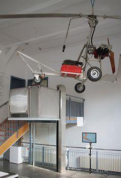 Die Hebebühne im Hubschraubermuseum von Bückeburg. http://blog.hiro.de/2014/11/21/eine-reise-wert-das-hubschraubermuseum-bueckeburg/