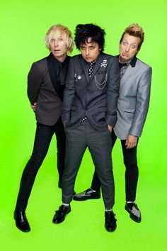 Green Day from ¡Uno! Aw, poor Billie Joe. He looks sad and so does Tre. Mike is confused or something like that..